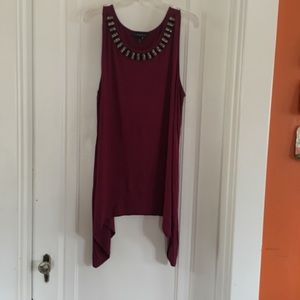 Burgundy sleeveless t-shirt Lane Bryant